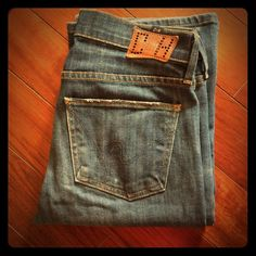 """Citizens of Humanity jeans. Style: Amber. Size: 26 Citizens of Humanity jeans. Style: Amber. Medium Rise Bootcut. Size: 26. Inseam: 31"""". Citizens of Humanity Jeans Boot Cut"""