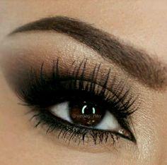 Impeccable metallic brown smoky eye