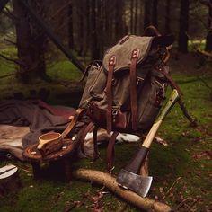 Bushcraft Backpack, Bushcraft Camping, Winter Camping, Go Camping, Camper Life, Campers, Survival Clothing, Camping Photo, Survival Skills