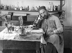 Santiago Ramón i Cajal (Petilla de Aragón, Navarra, 1 de maig de 1852 - Madrid, 17 d'octubre de 1934)