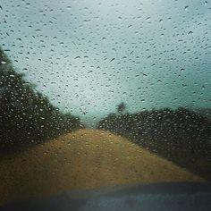 Vida no campo é pedir chuva diuturnamente.