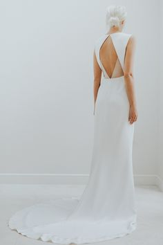 Open back wedding dr