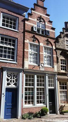 Schöne Giebel in Dordrecht Mehr im Nach-Holland-Blog unter: http://www.nach-holland.de/nach-holland-blog/orte-und-events/437-radtour-nach-dordrecht  #Dordrecht #Holland #Netherlands