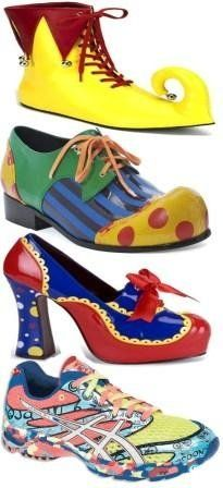 """Are these """"back-to-clown-school"""" shoes? Home Depot Halloween, Halloween Clown, Halloween Projects, Halloween Horror, Halloween Party, Halloween Costumes, Clown Clothes, Clown Shoes, Clown Outfits"""