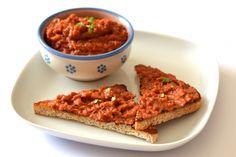 Ajvár recept - Hozzávalók 160  g-hoz 150 g padlizsán (nyers) 140 g kápia paprika 1 fej vöröshagyma 2 evőkanál olívaolaj 1.5 gerezd fokhagyma 2 csipet só 2 csipet feketebors (őrölt)