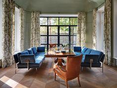 Constructivist design, Oleg Klodt design, Moscow, Rublevka, Russia, ellegant livingroom