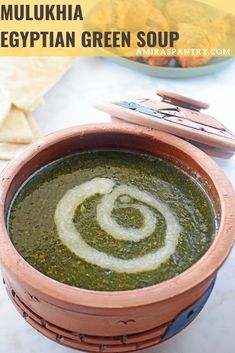 The best Egyptian Molokhia recipe with all the tips and tricks. Try this amazing tasty Egyptian green soup and you'll be hooked. Easy Dinner Recipes, Holiday Recipes, Great Recipes, Healthy Recipes, Molokhia Recipe, Egyptian Food, Egyptian Recipes, Clarified Butter Ghee, Green Soup