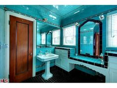 Never Change, Colorful Tile Bathrooms in Old LA Houses We are of the opinion that there's a special place in hell reserved for those who rip out a perfe Aqua Bathroom, Art Deco Bathroom, Vintage Bathrooms, Bathroom Colors, Tile Bathrooms, Bathroom Plumbing, 1930s Bathroom, Bathroom Ideas, Brown Bathroom