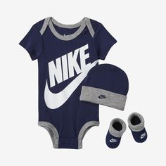 Nike Baby Bodysuit, Hat and Booties Set (Blue Void) Source by boy outfits Baby Boy Clothes Nike, Baby Girl Nike, Baby Boy Swag, Cute Baby Boy Outfits, Newborn Boy Clothes, Baby Boy Shoes, Newborn Outfits, Camo Baby, Babies Clothes
