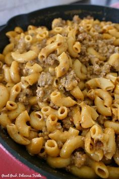 Homemade Cheeseburger Macaroni is seasoned perfectly, loaded with cheese, meat and pasta, plus sour cream. Hamburger Mac And Cheese, Cheeseburger Mac And Cheese, Hamburger Helper Recipes, Hamburger Macaroni, Mince Recipes, Beef Recipes For Dinner, Ground Beef Recipes, Goulash Recipes, Chicken Recipes
