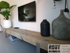 Old oak beamed TV furniture. Old oak beamed TV furniture. Interior Design Living Room, Living Room Decor, Reclaimed Wood Coffee Table, Tv Furniture, Beams, Decoration, Tv Unit, Home Decor, Sideboard