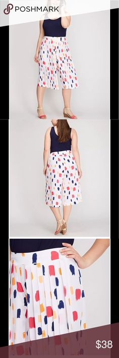"""Land Bryant wide leg culottes pants size 18\20 Super cute Lane Bryant wide leg crop pants. Waist measures 42""""  Inseam is 18""""  I never wore these, just been hanging in my closet. The back of the waist has elastic, the front doesn't Lane Bryant Pants Ankle & Cropped"""