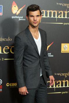 Taylor Lautner #Twilight #BreakingDawn Spanish premiere
