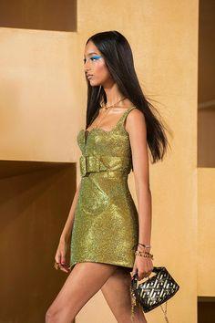 Fashion Week, Look Fashion, Runway Fashion, Fashion Models, Fashion Show, Fashion Outfits, Fashion Design, Milan Fashion, High Fashion Trends