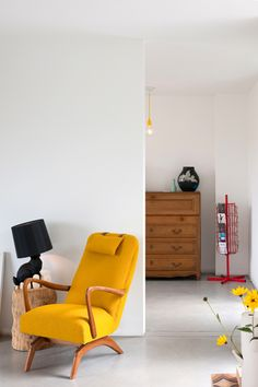 After a firm makeover by Jeffreyzijnmeubels our 60s rocker came back home! jeffreyzijnmeubel...