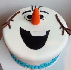 Decorating the Cake – Frozen Olaf Cake – … - Kuchen Torte Frozen, Olaf Frozen Cake, Frozen Fondant, Olaf Cake, Fondant Cakes, Disney Frozen, Christmas Themed Cake, Christmas Cake Designs, Christmas Games