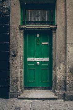 Door in Dublin, Ireland