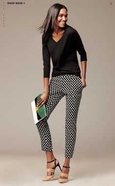 Women s apparel pants dresses jeans sweaters suits skirts blouses jackets banana republic lovely black white grid wide legged pants linen casual trousers Fall Outfits, Casual Outfits, Cute Outfits, Fashion Outfits, Womens Fashion, Fashion 2018, Petite Fashion, Curvy Fashion, Fashion Fashion