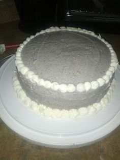 Vanilla cake with cookie and cream frosting