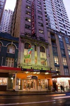 Nomads Westend Backpackers Sydney Nomads Westend Backpackers offers affordable accommodation just 5 minutes' walk from Sydney Central Station in Sydney CBD (Central Business District). It features a well-equipped communal kitchen, a TV lounge and a games room.