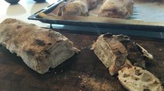 Verdens bedste ciabattabrød med store huller (opskrift) | Livets små ting Ciabatta Bread Recipe, Bread Bun, Bread Recipes, Protein, Bakery, Brunch, Pork, Ice Cream, Beef