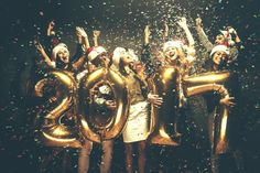 new year Photoshoot Ideas - New Year's Eve 2018 New Year'Eve Decoration 2018 Gold Foil Balloons Decoration nye decor, nye party, nye decorations, nye 2018 Mylar. New Years Wedding, New Years Eve Weddings, New Years Party, Photos Nouvel An, New Year Backdrop, New Years Eve Pictures, New Years Eve Party Ideas Decorations, Decor Ideas, Ideas Party