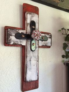 Reclaimed wood cross with a Rustic Vintage flair. 3rd layer is accented with antique hardware and gorgeous porcelain knob.