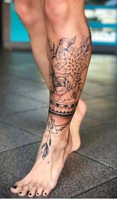 Dope Tattoos, Body Art Tattoos, Girl Tattoos, Sleeve Tattoos, Thigh Sleeve Tattoo, Knee Tattoo, Tattoo Bein Frau, Ankle Tattoos For Women, Anklet Tattoos