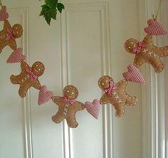 Sweet felt gingerbread and heart garland