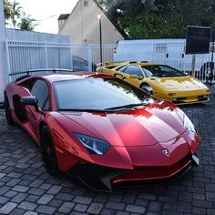 Lamborghini Aventador Super Veloce painted in Rosso Bia & Lamborghini Diablo painted in Giallo Orion Photo taken by: @southbayexotics on Instagram