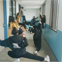 Image uploaded by 쀼. Find images and videos about girl, ulzzang and school on We Heart It - the app to get lost in what you love. I Need Friends, Boy And Girl Best Friends, Cute Friends, Ulzzang Korean Girl, Ulzzang Couple, Bff Goals, Best Friend Goals, Best Friend Pictures, Friend Photos