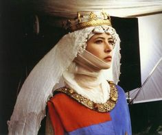 Sophie Marceau as Princess Isabella in Braveheart costume design by Charles Knode Medieval Costume, Medieval Dress, Medieval Fashion, Medieval Clothing, Medieval Hair, Medieval Party, Medieval Life, Medieval Fantasy, Sophie Marceau