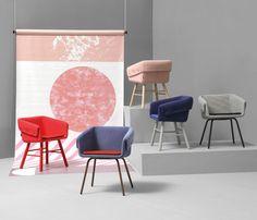 Chaise contemporaine / avec accoudoirs / tapissée / en bois - COLLAR by Skrivo - SANCAL