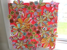 Canvas art flowers craft kit for girls    What a wonderful art work for your little girl to create. Super easy method and gorgeous result!