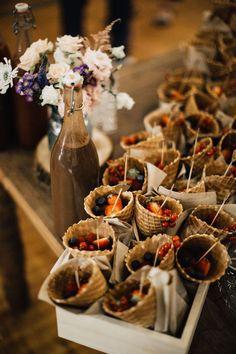 mariage fun et relax à l'île de ré | Bar à fruit | Blog mariage - M comme Madame