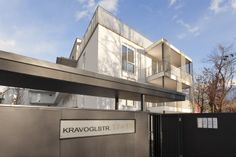 CARISMA Immobilien Wohnprojekt Kravogl Mansions, House Styles, Home Decor, Real Estates, Projects, Homes, Decoration Home, Manor Houses, Room Decor
