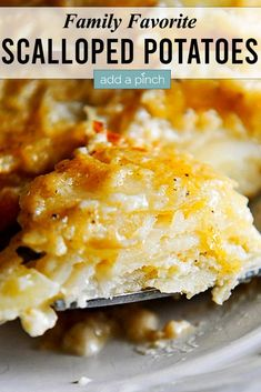 Scalloped Potatoes Recipe – This easy scalloped potatoes recipe is so creamy, cheesy, and out of this world delicious! //addapinch.com #scallopedpotatoes #potatoes #addapinch Best Scalloped Potatoes, Scalloped Potato Recipes, Easy Potato Recipes, Side Recipes, Unique Recipes, Popular Recipes, Easy Dinner Recipes, Holiday Recipes, Easy Meals