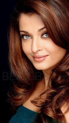 Aishwarya Rai is a talented artist and very popular among fans. Aishwarya Rai photo gallery with amazing pictures and wallpapers collection. Aishwarya Rai Photo, Actress Aishwarya Rai, Most Beautiful Indian Actress, Beautiful Actresses, India Beauty, Asian Beauty, Beautiful Eyes, Gorgeous Women, Bollywood Actress Hot Photos