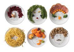 Service de Famille - six illustrated plates - a porcelain family portrait - create their haircut wit Small Plates, Decorative Plates, Dessert Original, Soup Plating, Dinner Sets, Family Meals, Family Recipes, Jouer, Bon Appetit