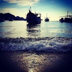 【hugopacheco982】さんのInstagramをピンしています。 《#trip #fun #旅行 #楽しみ #friends #amigos #友達と#友達 #海 #beach #playa #foto #fotografia #写真 #photography #phototag_it #ig_captures #ig_color #taganga #colombia #santamarta  #huaweip9lite #huawei #sky #skylovers #空 #sunset #日の入り#passionforphotography #passion》