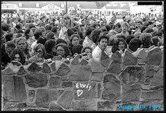 Mourners at Graceland August 1977