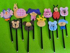 Ponteira Para Lapis - EVA (4) Foam Crafts, Diy Arts And Crafts, Pencil Crafts, Pencil Toppers, Felt Diy, Art Activities, Art School, Quilling, Ladybug