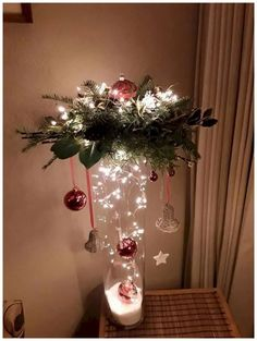 Easy Christmas Decorations, Christmas Centerpieces, Christmas Wreaths, Christmas Ornaments, Christmas Lights, Centerpiece Ideas, Wedding Centerpieces, Vase Ideas, Christmas Flowers