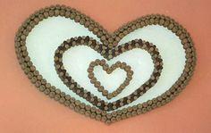cuore da parete con tappi di sughero di vario genere