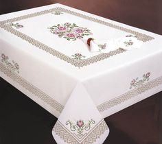 """ru / Фото - - """"Design Works Crafts Stamped Embroidery Roses and Lace Tablecloth, 50 by"""", """"Stamped Cross Stitch Tablecloths - Hand Embroidery Tutorial, Embroidery Flowers Pattern, Rose Embroidery, Embroidery Kits, Cross Stitch Embroidery, Machine Embroidery, Cross Stitch Heart, Cross Stitch Flowers, Cross Stitch Kits"""