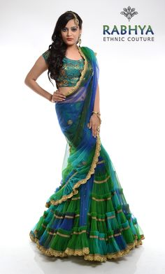Style Code: RUJ 32 - Green & Blue Peocock column wrap around saree, with khem-khab blouse Saree Blouse Patterns, Designer Blouse Patterns, Saree Blouse Designs, Indian Dresses, Indian Outfits, Pretty Outfits, Pretty Dresses, Column Wrap, Bridesmaid Saree