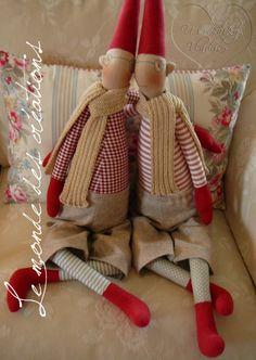 Le monde des créations: Skřítci ... :o))) Maileg Bunny, Scandi Style, Hello Dolly, Scandinavian Christmas, Christmas 2019, Doll Patterns, Elves, Pixie, Doll Clothes