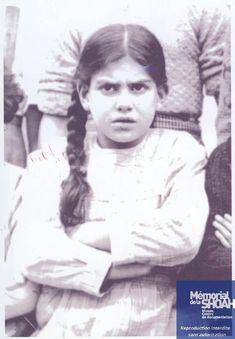 (11/01/1934) Paris, France (03/10/1944) Auschwitz-Birkenau 9 years old Lest We Forget, Never Forget, Murder Stories, Centre De Documentation, Grace Slick, 9 Year Olds, Judaism, World War Ii