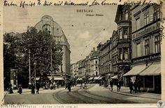 Oławska,widok od pl.św.Krzysztofa (po lewej) w stronę Rynku.  Lata 1910-1920 Ul, Vintage Architecture, Old Photographs, Long Time Ago, Homeland, Cities, Home And Family, Germany, Street View