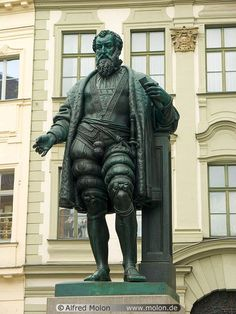 Photo of Fugger statue. Augsburg Germany, Beau Site, European Vacation, Vacation Places, Beautiful Architecture, Germany Travel, Bavaria, Picture Photo, Beautiful Places